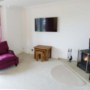 Cringles House living room